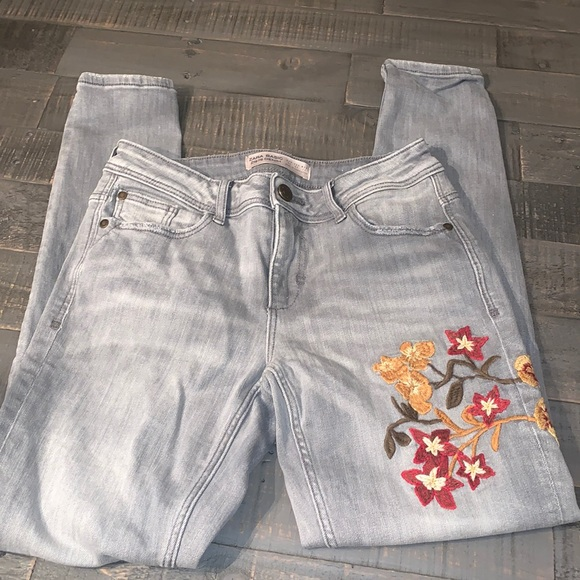 Zara Basic Floral Embroidered Skinny Jeans - Sz 2